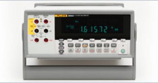 Who Makes Digital Multimeters : Fluke a digit multimeter table top