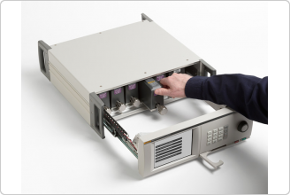 6270A Pressure Controller Calibrator pulling out Pressure Control Module